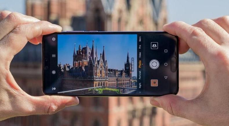 Лучшие модели недорогих камерофонов для начинающих фотографов